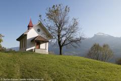 Kapelle Betlis (516m), rechts der Firzstock (1923m)